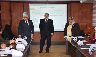 زياره نائب رئيس الجامعة لمركز تنمية قدرات أعضاء هيئة التدريس