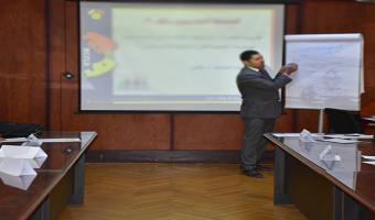 مركز تنمية قدرات أعضاء هيئة التدريس ينظم دورة تدريبية مسائية بعنوان