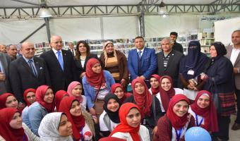 افتتاح معرض الكتاب بكلية التجارة جامعة مدينة السادات