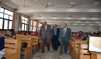 رئيس جامعة مدينة السادات  يتابع امتحانات الحقوق والتربية