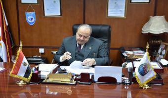 رئيس الجامعة في جولة مفاجئة بمشاريع التطوير بالجامعة
