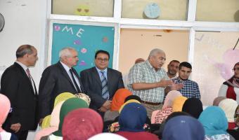 رئيس الجامعة فى زيارة لكلية التربية للطفولة المبكرة