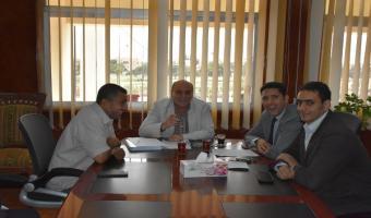 نائب رئيس الجامعة يجتمع بفريق عمل مركز القياس والتقويم للوقوف على أخر الاستعدادات لبدء عمل المشروع