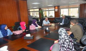رئيس الجامعة ونائبه يجتمعان بالطلاب المشاركين فى دورة اللغة الفرنسية بمكتبة الإسكندرية