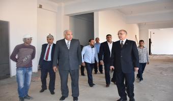 رئيس جامعة مدينة السادات يتفقد كلية الصيدلة