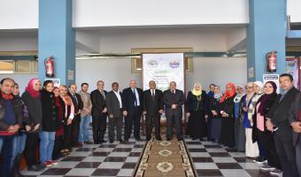الدكتور عصام الدين متولي يزور كلية الصيدلة  للترحيب بأعضاء هيئة التدريس والهيئة المعاونة الجدد
