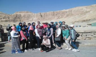 طلاب جامعة السادات في زيارة للمعالم السياحية بمدينتي الأقصر وأسوان ضمن برنامج