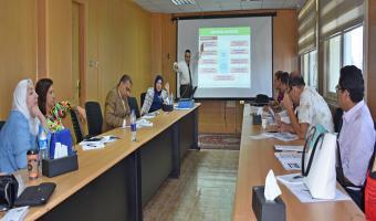 مركز ضمان الجودة والتطوير المستمر ينظم دورة تدريبية بعنوان