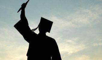 مجلس الجامعة يوافق على منح درجة الماجستير للباحث حمد هادى عبد الله
