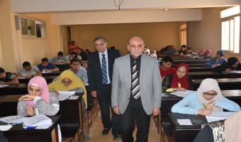 نائب رئيس الجامعة يتابع سير إمتحانات نهاية العام الدراسى