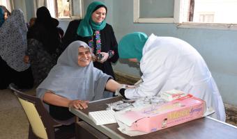 جامعة مدينة السادات تنظم قافلة طبية مجانية بقرية ساقية المنقدي بمركز أشمون