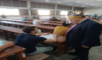نائب رئيس الجامعة لشئون التعليم و الطلاب يتابع أعمال الإمتحانات بكلية الحقوق