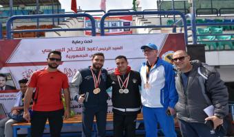 حصول الطالب أحمد شعبان راتب على ميداليتيين فضيتيين فى مسابقة السباحة بأسبوع متحدى الإعاقة بجامعة المنيا